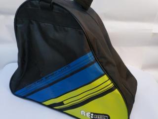 """Спортивная сумка фирмы """"Action"""" для переноски роликов и защиты."""