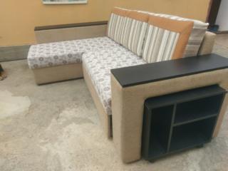 Продам угловой диван в хорошем состоянии. СЕГОДНЯ ОТДАМ ЗА 220!!!