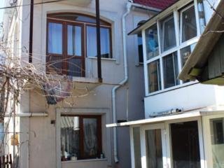 Chirie - casa cu 3 odai in Centrul Chisinaului, 100 m2