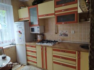 Кухня б. у. продам