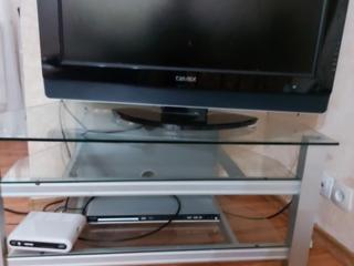 Продаю тумбу для телевизор. Идеальное состояние.