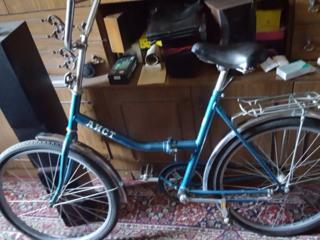 Продаётся велосипед АИСТ.
