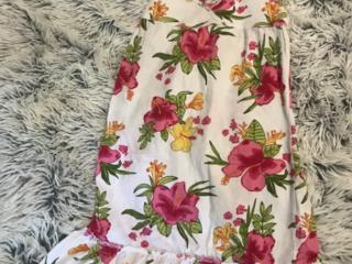Продам новые детские вещи 1 платье: рост 134-140 на возраст 8-10 лет