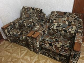 Кресла мягкие не раскладные.
