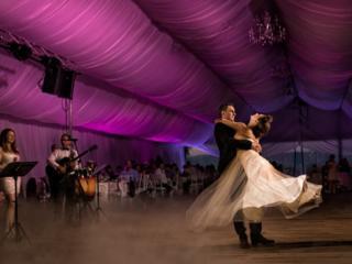 """Nunta de neuitat începe cu """"Dansul Mirilor""""!"""