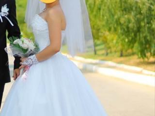 Свадебное платье б/у