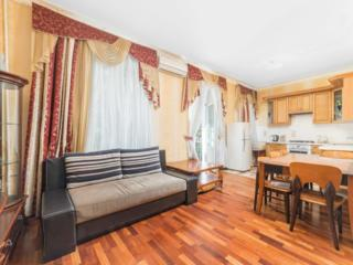 Квартира рядом с Дерибасовской, ул. Садовая, 19,
