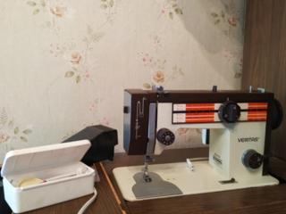 Продам швейную машинку VERITAS со столом