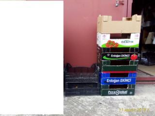Ящики под ягоды, бутыли 3-х литровые