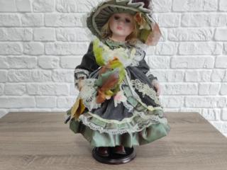Коллекционная Форфоровая кукла
