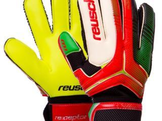 Перчатки вратарские с защитой пальцев REUSCH