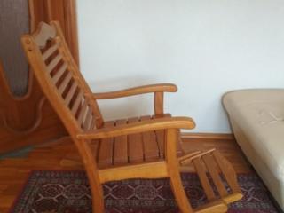 Продается деревянная кресло - качалка (ясень). 4000 лей