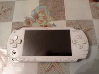 Продам приставку PSP (ВОЗМОЖЕН ТОРГ)