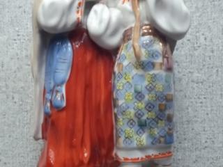 Продаются 2 фарфоровые статуэтки