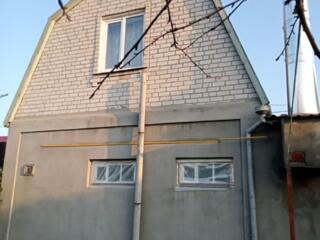 7514. . . Продается 2-х этажный кирпичный дом в ...