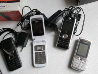 GSM -телефоны Б\У Старой модели \просто позвонить\ от 100 руб.