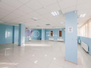 Se oferă spre chirie oficiu, str. Teilor, sectorul Botanica. ...