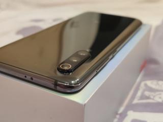 Сяоми MI 9 6/64 CDMA+GSM+VOLTE+4G+ РОУМИНГ в Украине Полный комплект