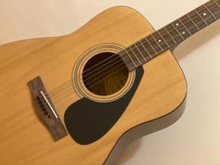 Продаю акустическую гитару Yamaha F310