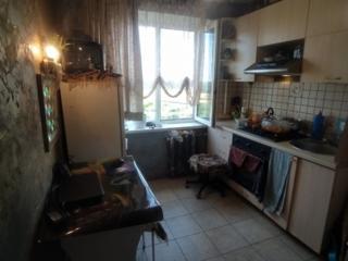 Продаётся 2-х комнатная квартира в хорошем районе.