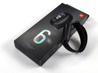 Продам новый Сяоми Mi Band 6, запечатанный, защитные пленки в подарок