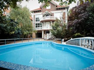 Vrei sa-ti petreci serile calde la o terasa cu piscina si mangal? ...