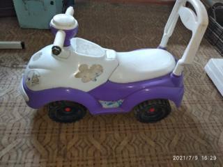Машина- толокар детский (ездить, катить, толкать)