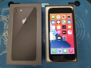 Iphone 8 64GB темный в отличном состоянии, батарея 98%!!!