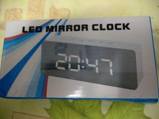 Часы с будильником, гигрометром и термометром Led Mirror Clock; Календ