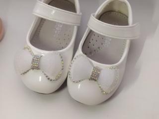 Продам белые туфельки