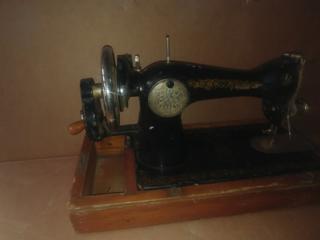 Швейная машина 1957 г, Картина, винтажная соковыжималка