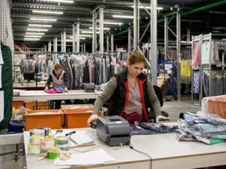 Работа на складах брендовой одежды. Польша