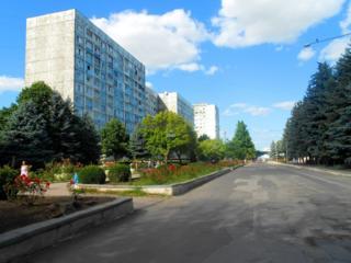 Срочно продаётся трёхкомнатная квартира в центре города, торг.