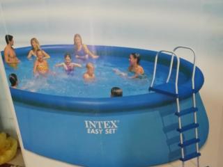 Огромный басейн на 17,5 тонн за очень низкую цену 250 евро