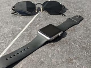 Продам Apple Watch 2 series
