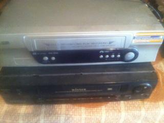 Видеомагнитофоны нужна профилактика, кассеты