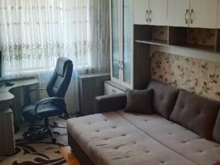 Срочно продается 2-комнт. центр 2/5 середина ремонт 31000 евро!
