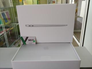 Продам новый MacBook Air 256gb, 13.3 дюймов 2020г.