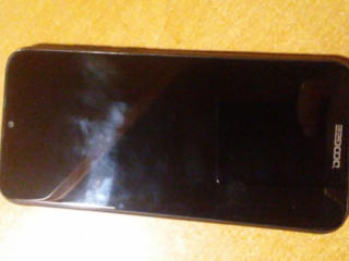 Продам смартфон Dodgee Y8.