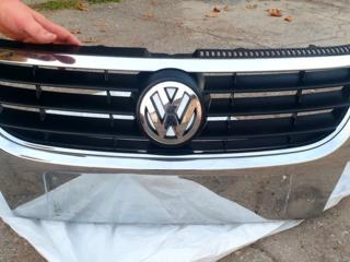 Volkswagen Touran решетка радиатора.