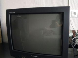 Продам телевизор фирмы DAEWOO. Работает отлично. 350 рублей.