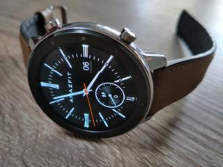 Продам умные часы Amazfit GTR