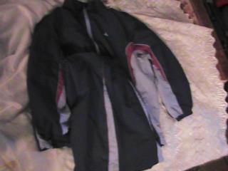 Продам костюм спортивный 150 руб.