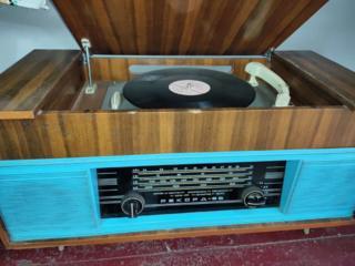 """Продам радиолу """" Рекорд-66 """""""