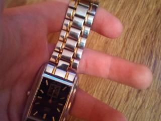 Продам оригинальные автоматически часы на батарейке