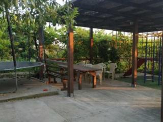 Предлагается в продажу одноэтажный дом с ремонтом. Сухой Лиман