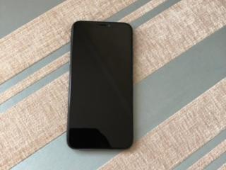 iPhone X 64GB 370$ в отличном состояние