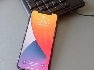 Продается Iphone X 64 GB - 330 долл.
