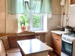 Продам двухкомнатную квартиру на Академической