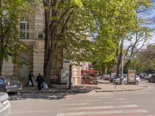 Аренда помещения 156 м² + 8 паркомест Центр, угловой фасад, Садовая 9